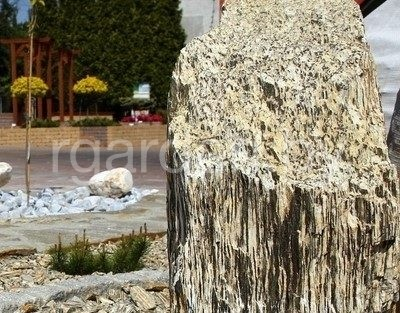 Камень ландшафтный Шпилька